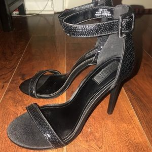 NEVER WORN Forever21 heels.